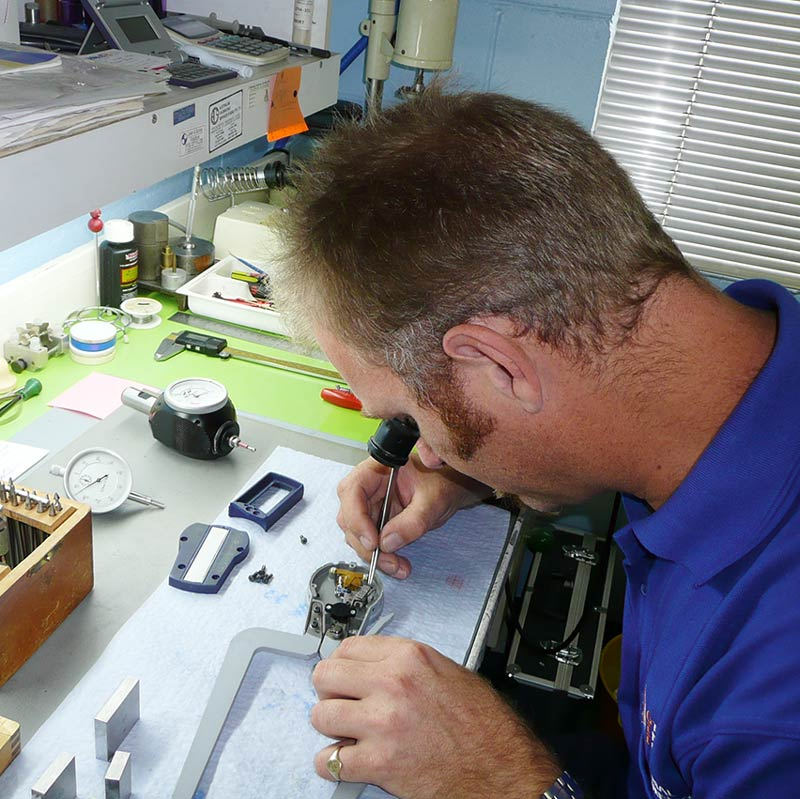 Repair and Service of Industrial Precision Instruments